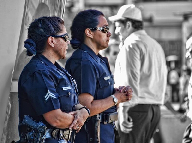 policewomen