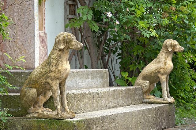 dog-statues